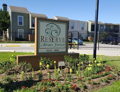Southwest Houston apartments at Reserve at Braes Forest