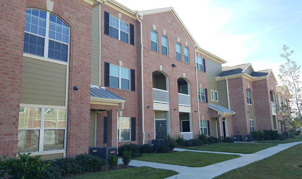 Apartment homes of West Lake Park