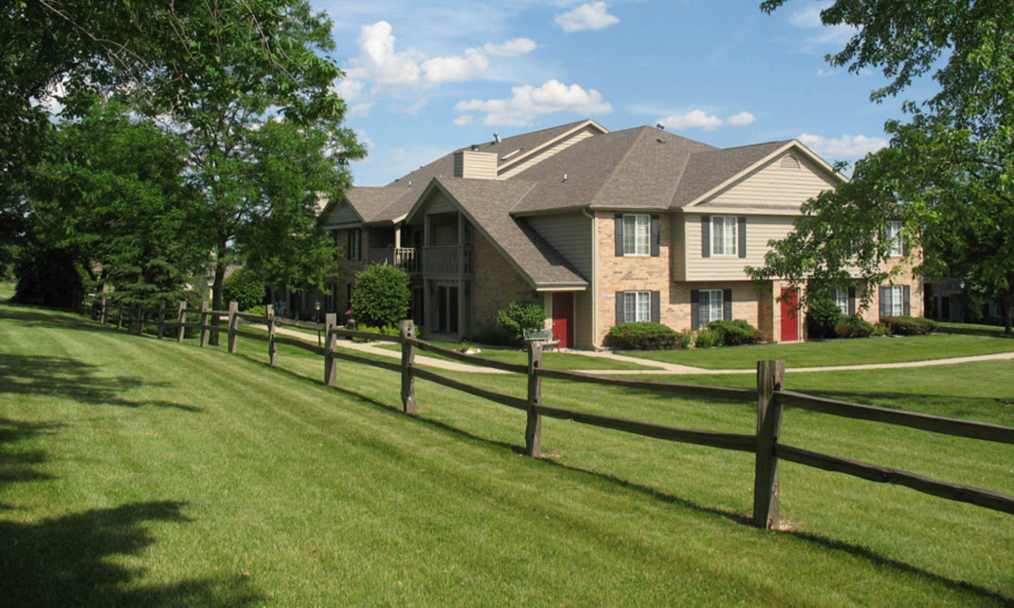 Pewaukee wi apartments for rent near milwaukee - One bedroom apartments in milwaukee ...