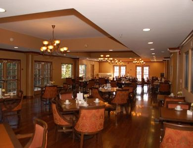 dinner room at Pacifica Senior Living Santa Clarita