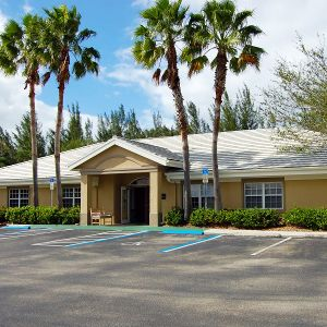 Pacifica Senior Living Fort Myers exterior