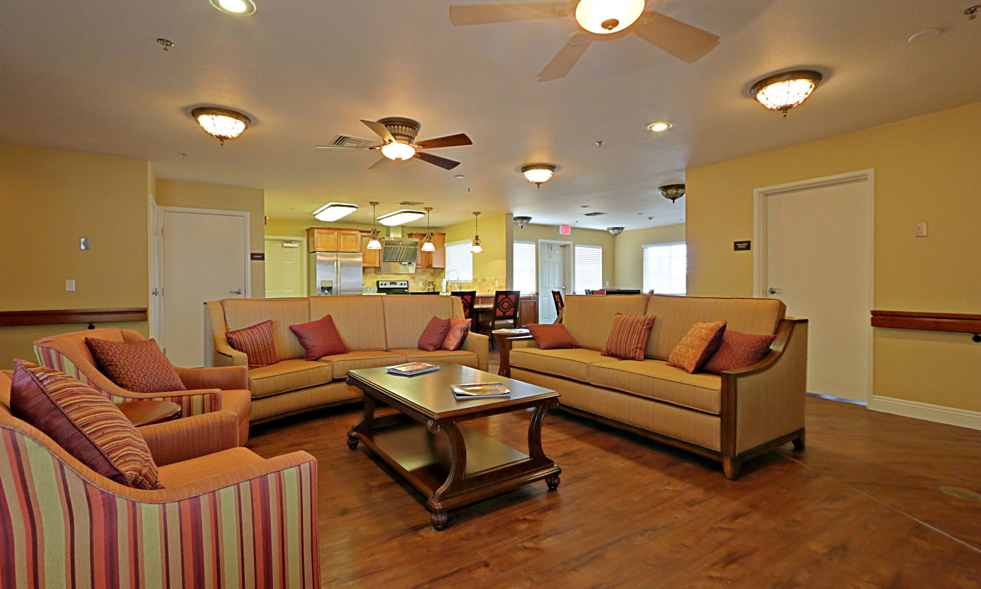 Lounge and Kitchen at Pacifica Senior Living Paradise Valley