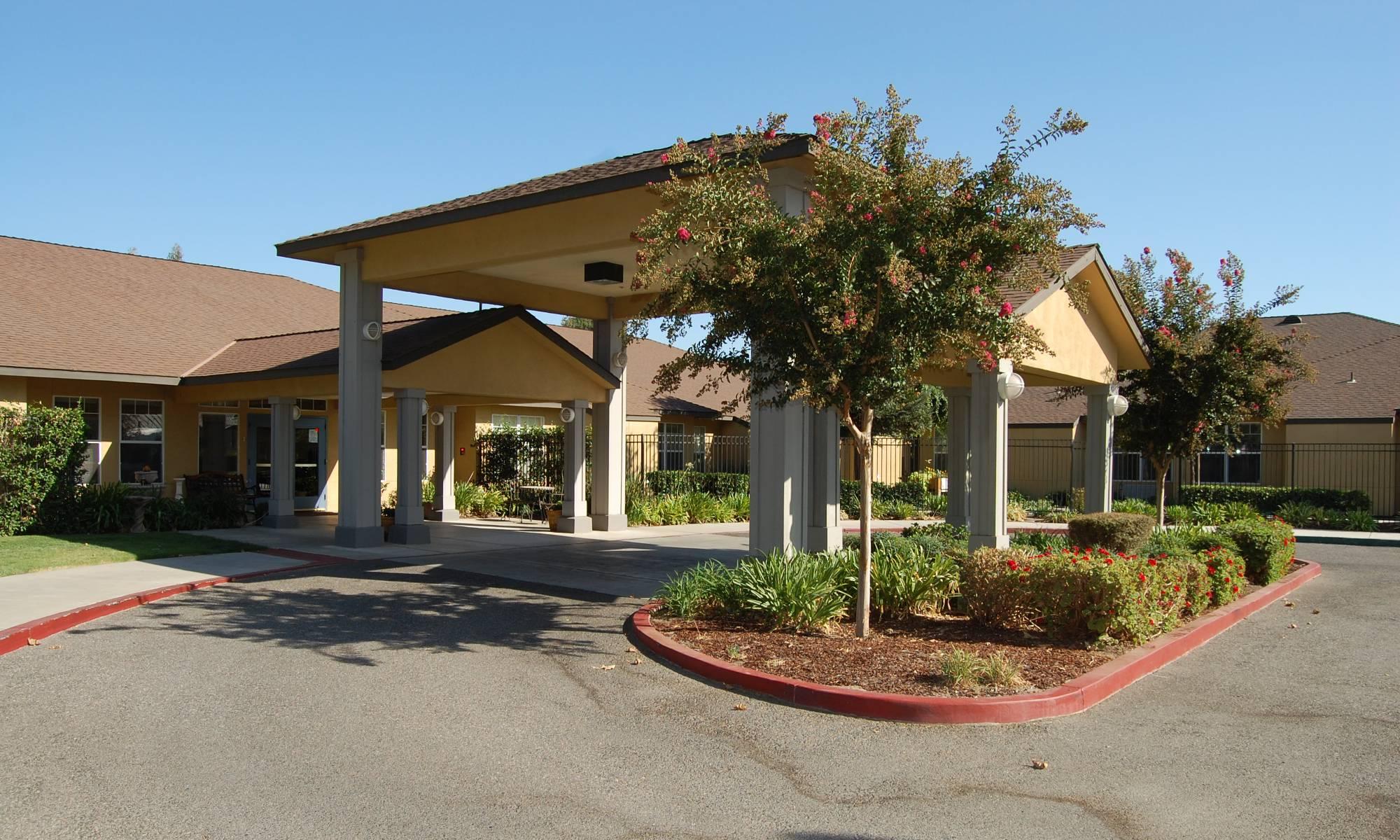 Pacifica Senior Living Modesto Front Entrance 2