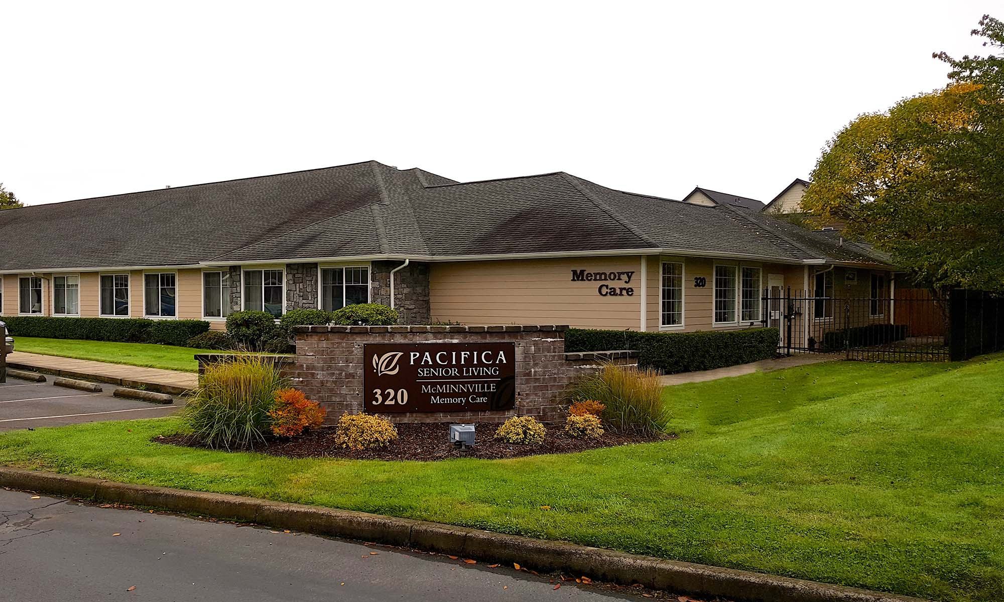 Gorgeous front view of Pacifica Senior Living McMinnville
