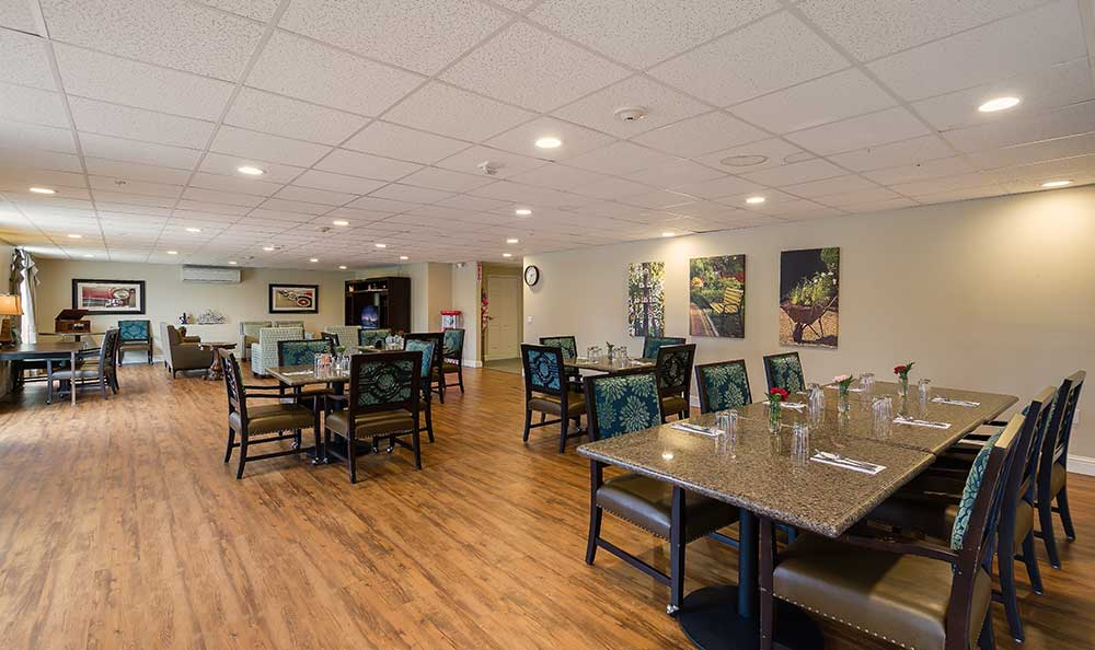 Photos of pacifica senior living country crest in oroville for The family room pacifica