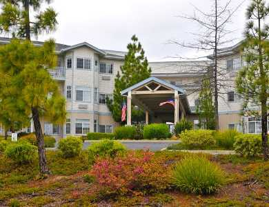 Exterior nature at Pacifica Senior Living Country Crest