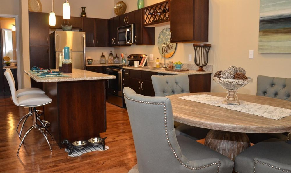 Kitchend and dining area at Springs at Sandstone Ranch in Colorado