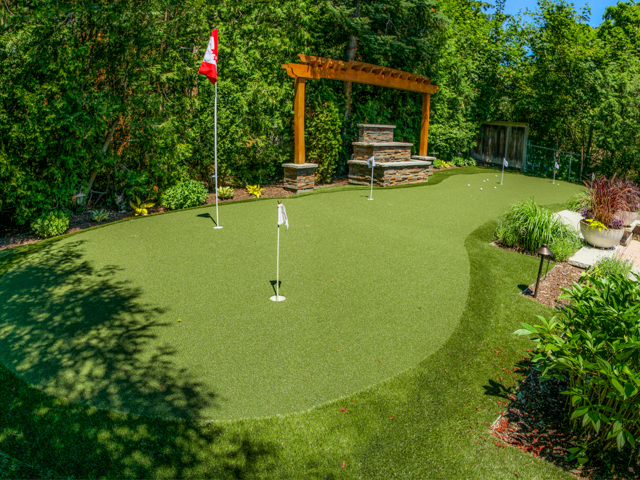 SYNLawn Artificial Turf Golf green