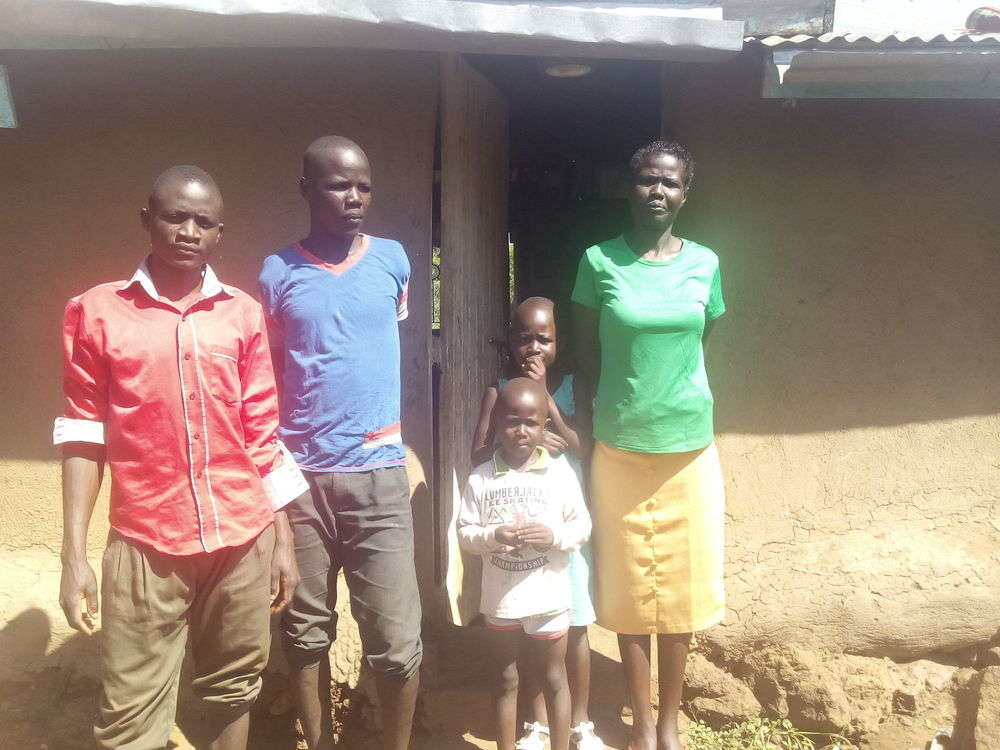 Pelesia's family