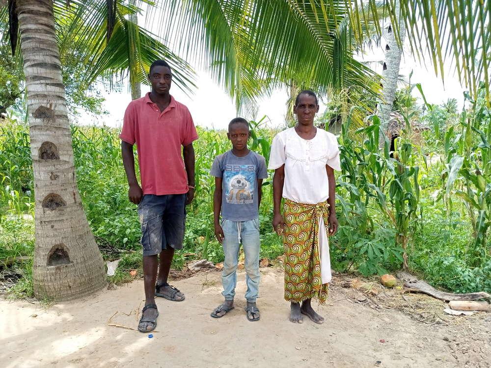Dama's family
