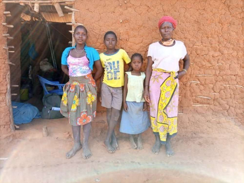 Shida's family