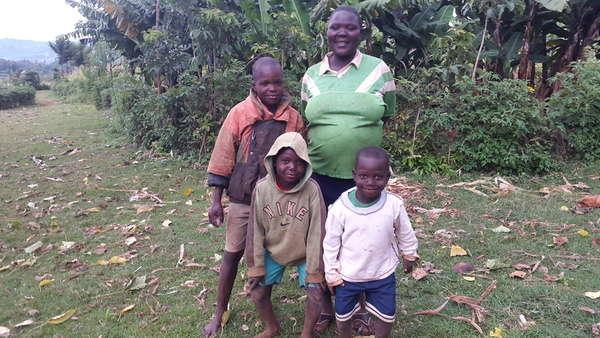 Lona's family