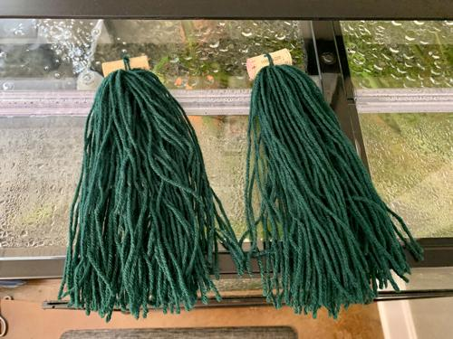 "2 Spawning Mops 9"" Dark Green Acrylic Yarn"