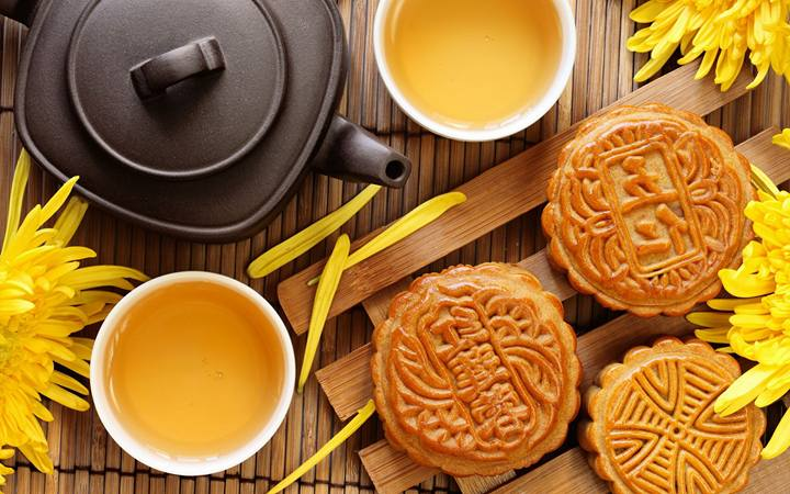 Chinese Mid-Autumn Festival. Mooncake and Tea.Image 19A Image size:720x450px