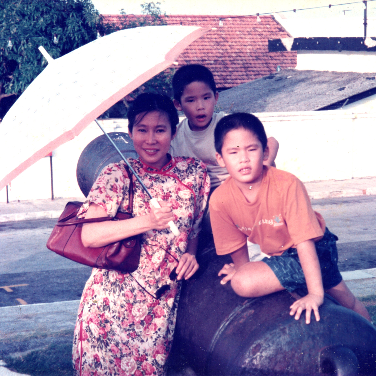 Bee Bee, Qinyang, Qinyuen at Penang's Fort Cornwallis. Chinese New Year 1991. Image size:1280x1280px