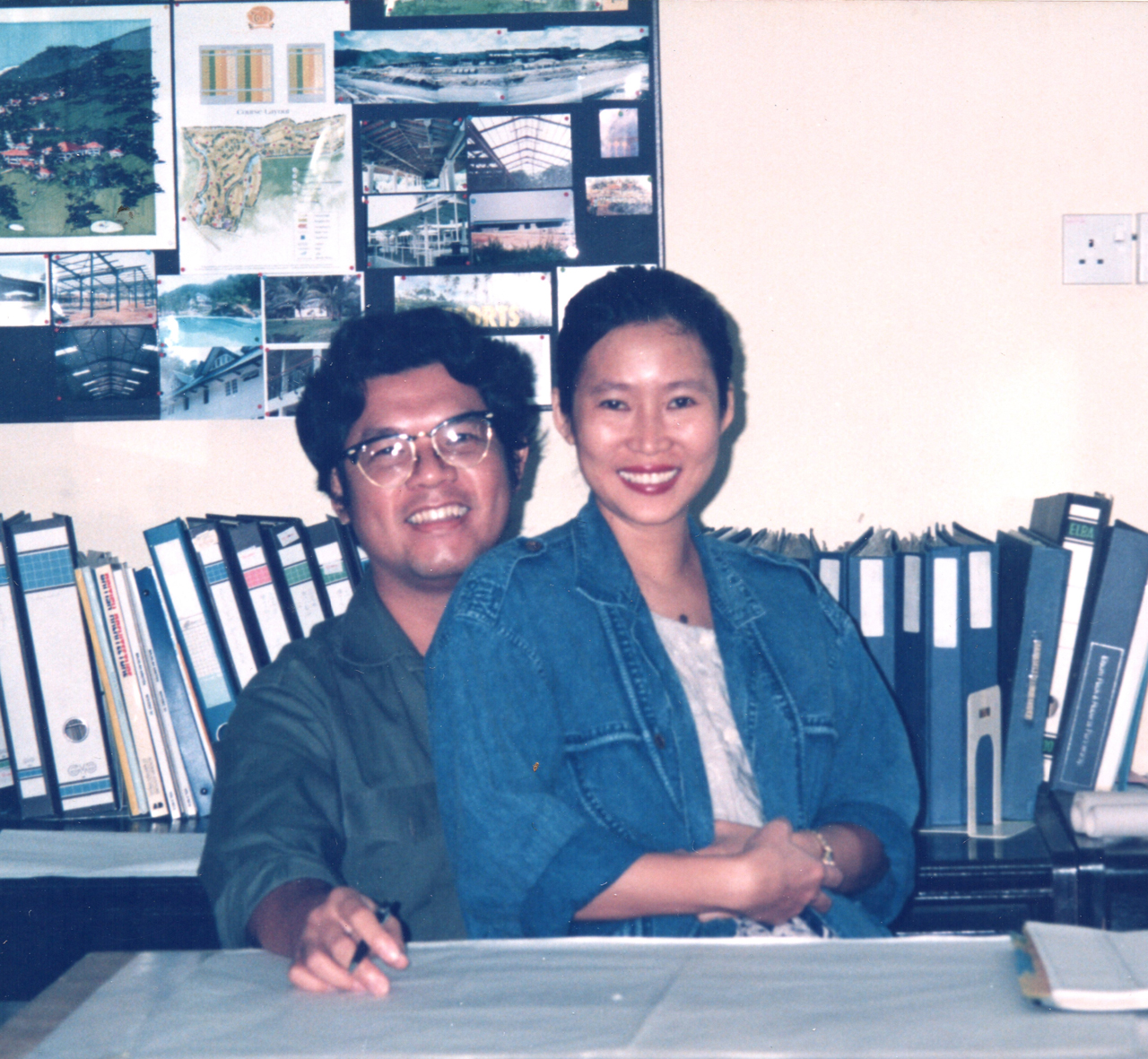 Giap with Bee Bee on my laps in Acromas Akitek Office. Acromas Akitek Days: 1988-1996 Glorious Years.. Image size:1280x1181px