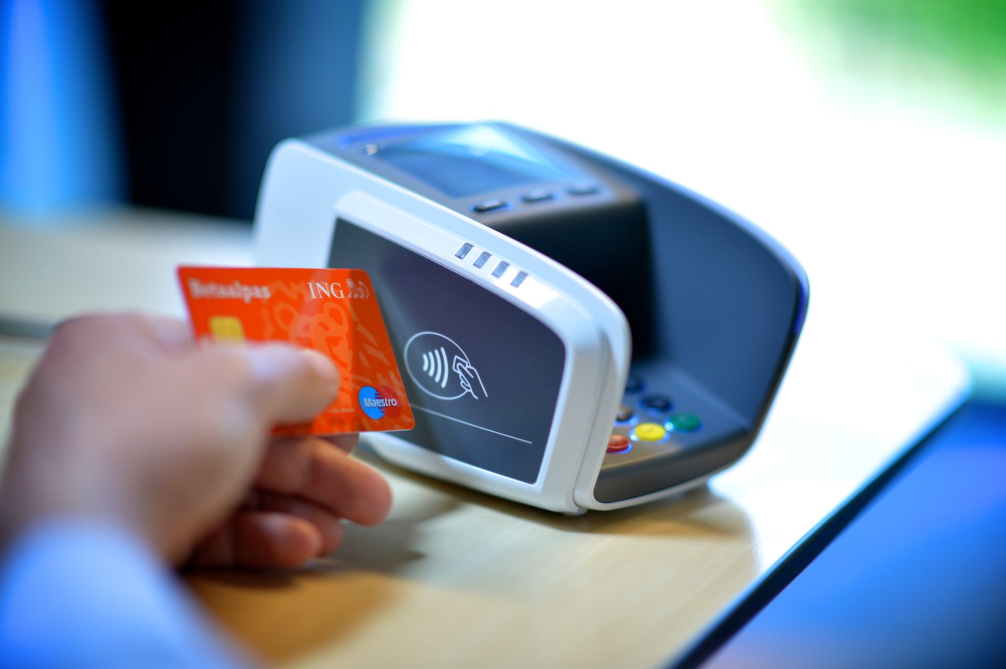 The State of Contactless in the Czech Republic and Poland