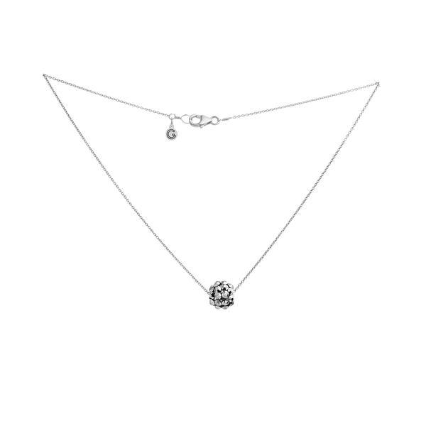 Necklace   pompom   silver   smalljpeg srgb 1600px for web