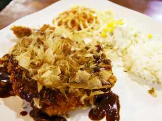 돈까스먹는용만이 (Tonkatsu Meokneun Yongmani)