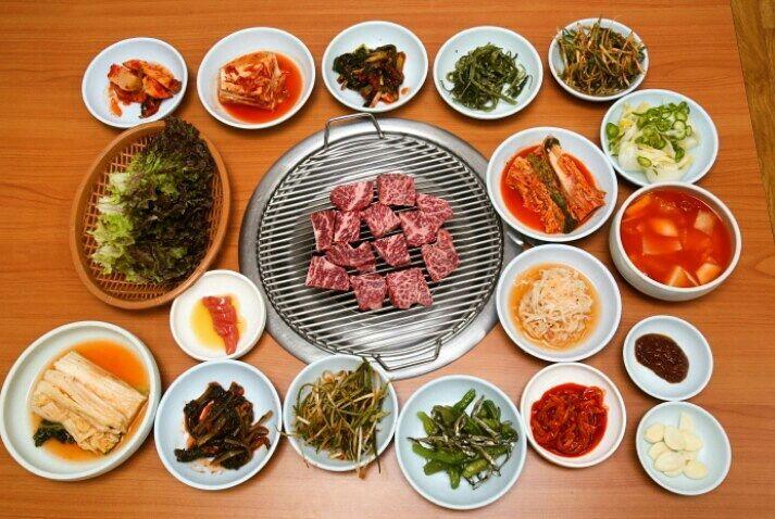 용평회관 (Yongpyeonghoegwan)