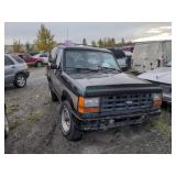 black Ford Bronco II Sport V6, 2.9L