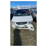 1999 White Chrysler Town And Country Limited V6, 3