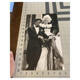 Large Sammie Davis and Sally Struthers News Photo