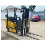 YALE Forklift w 3 Stage Mast/Side Shift