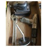 2 Air Tools and Ajustable Wrench