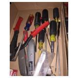 Asst Screw drivers, asst tools
