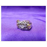 14K YELLOW GOLD RING WITH 12 DIAMONDS