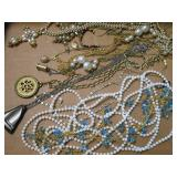ASSORTMENT OF BEADED & OTHER COSTUME NECKLACES