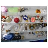 ASSORTMENT OF MISMATCH JEWELRY & OTHER ITEMS
