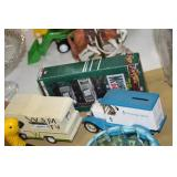 Dale Jr Set Coin Bank & Tonka Camper