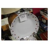 """Pampered Chef 13"""" Plate & Stand"""