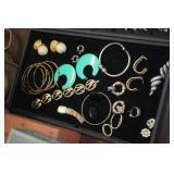 Lot of Variuos Jewelry