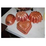 4 Hanging Molds