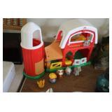 Fisher Price Toy Barn & Animals