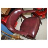 Rolling Cushioned Arm Chair