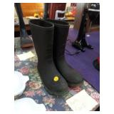 KIDS BOOTS SIZE 5