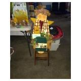 BEE WELCOME LAMP AND TABLE