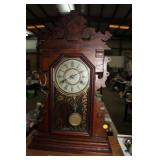 VINTAGE NEW HAVEN CLOCK WITH KEY