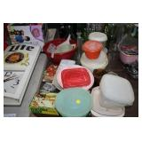 LOT OF KITCHEN ITEMS,TUPPERWARE,ETC
