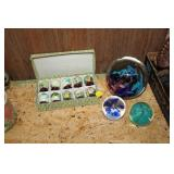 LOT OF PAPER WEIGHTS,DECORATIVE EGGS