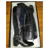 Tahari Boots Black size 6 in NEW Condition