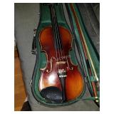 Viola  w/ bow and Green inside case