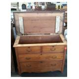 Oak blanket chest with three board hinged lift top
