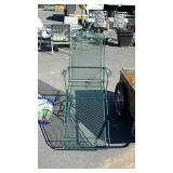 Green rough iron patio lounge chair