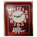 Vintage Dr Pepper battery powered clock