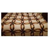 Double wedding ring hand made quilt